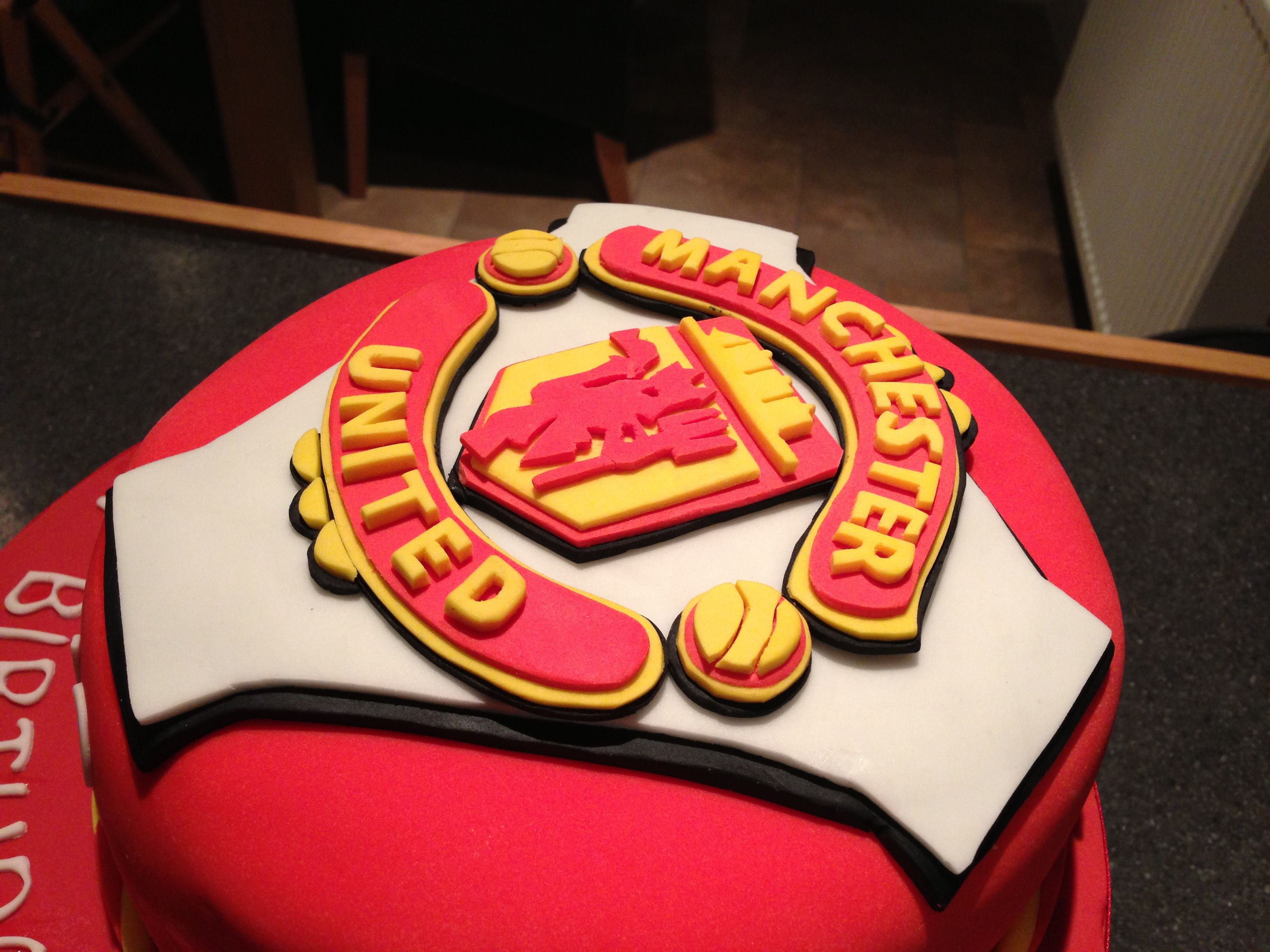 last minute wedding cakes manchester manchester united cake with handmade fondant logo top 16719