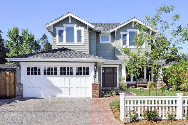 Love The Garage Door Front Door And Picket Fence Not The House Craftsman Exterior Craftsman Style Garage Doors House Exterior