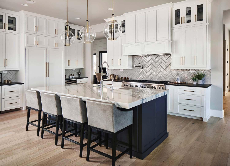 25 Absolutely Gorgeous Transitional Style Kitchen Ideas White Kitchen Design Kitchen Design Home Decor Kitchen
