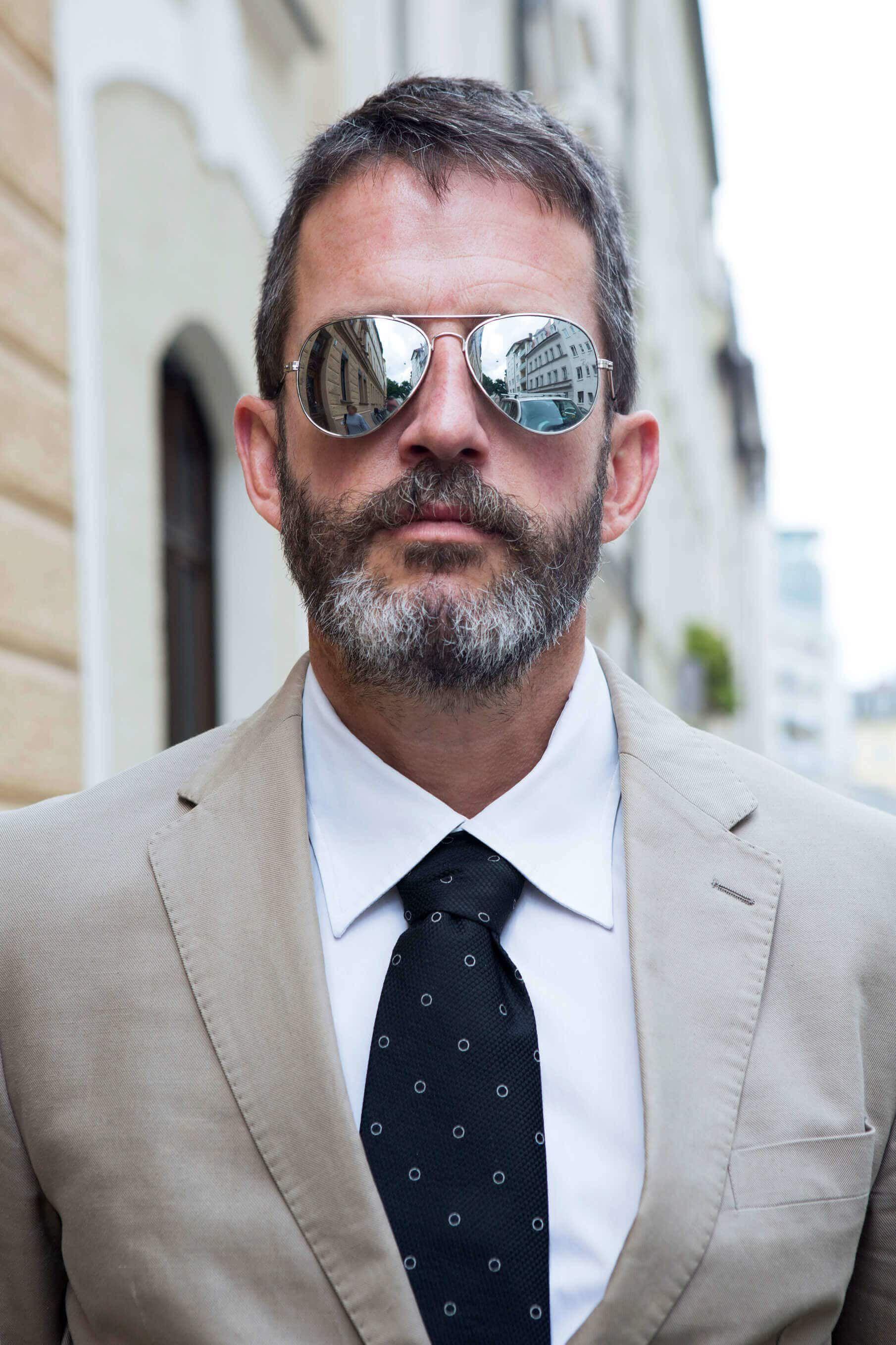 Oblong face haircut men schöne frisuren für balding männer  doctor  pinterest  mens grey