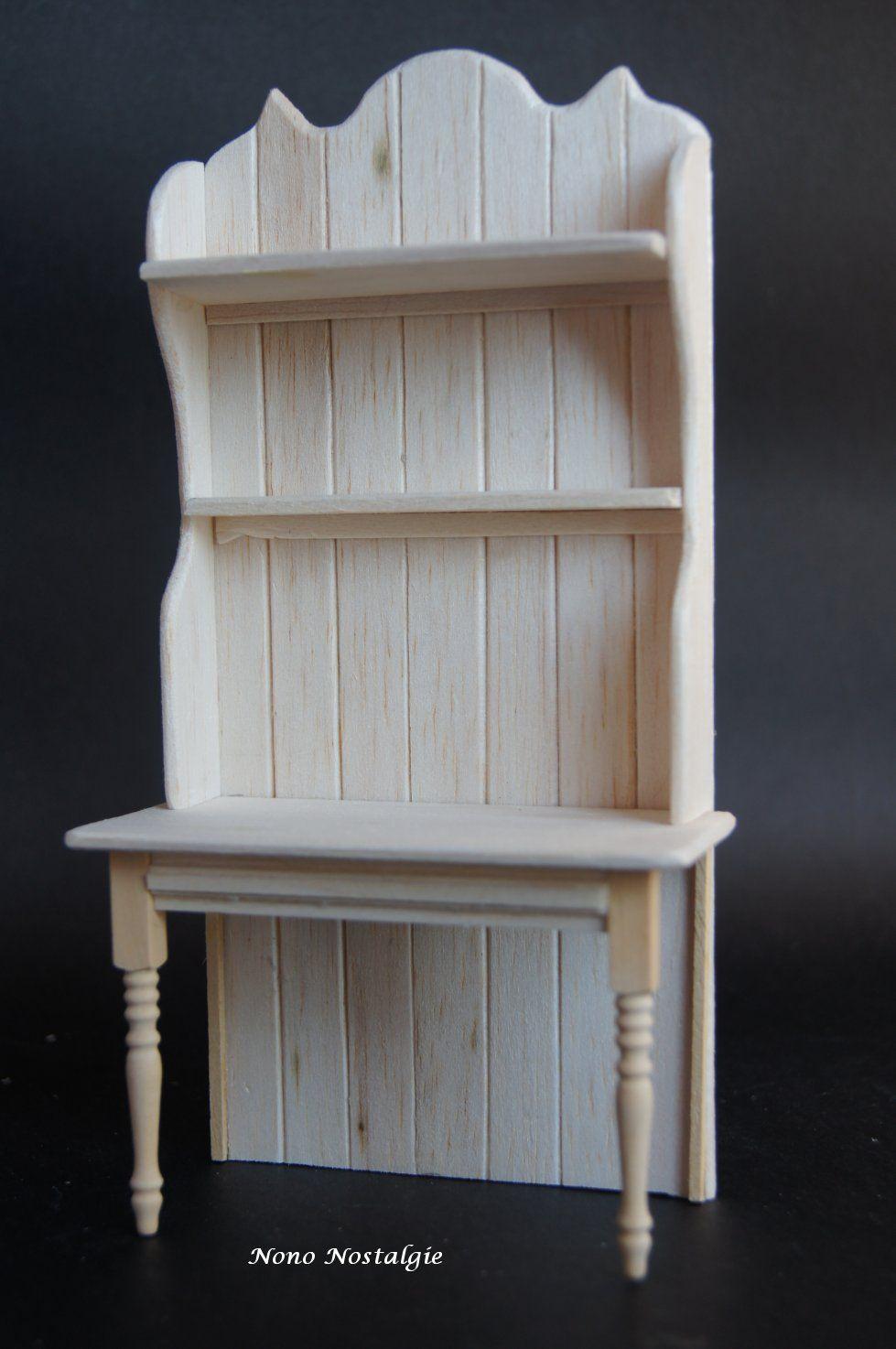 Voici les 4 derniers meubles de rangement pour mes jouets...   Pour le rez de chaussée côté droit, une petite étagère à suspendre en ba...