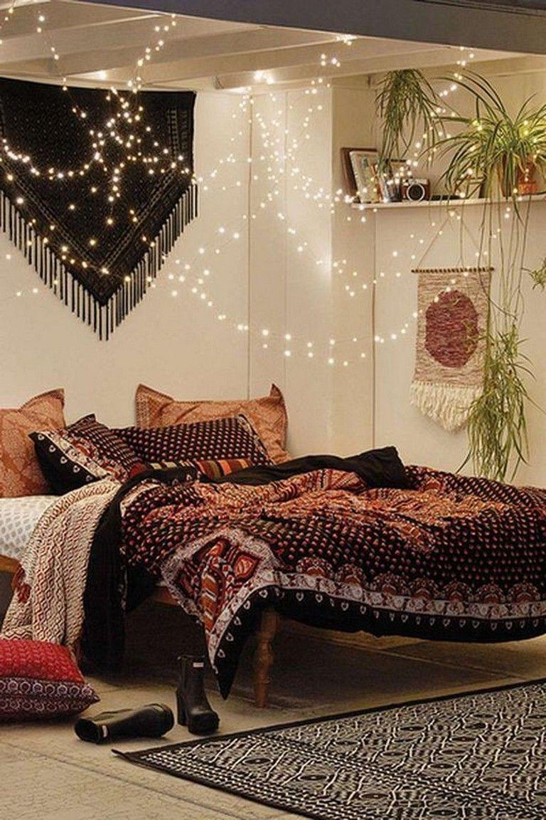 Cold Ideas to Make Minimalist Hippie Interior Decorations