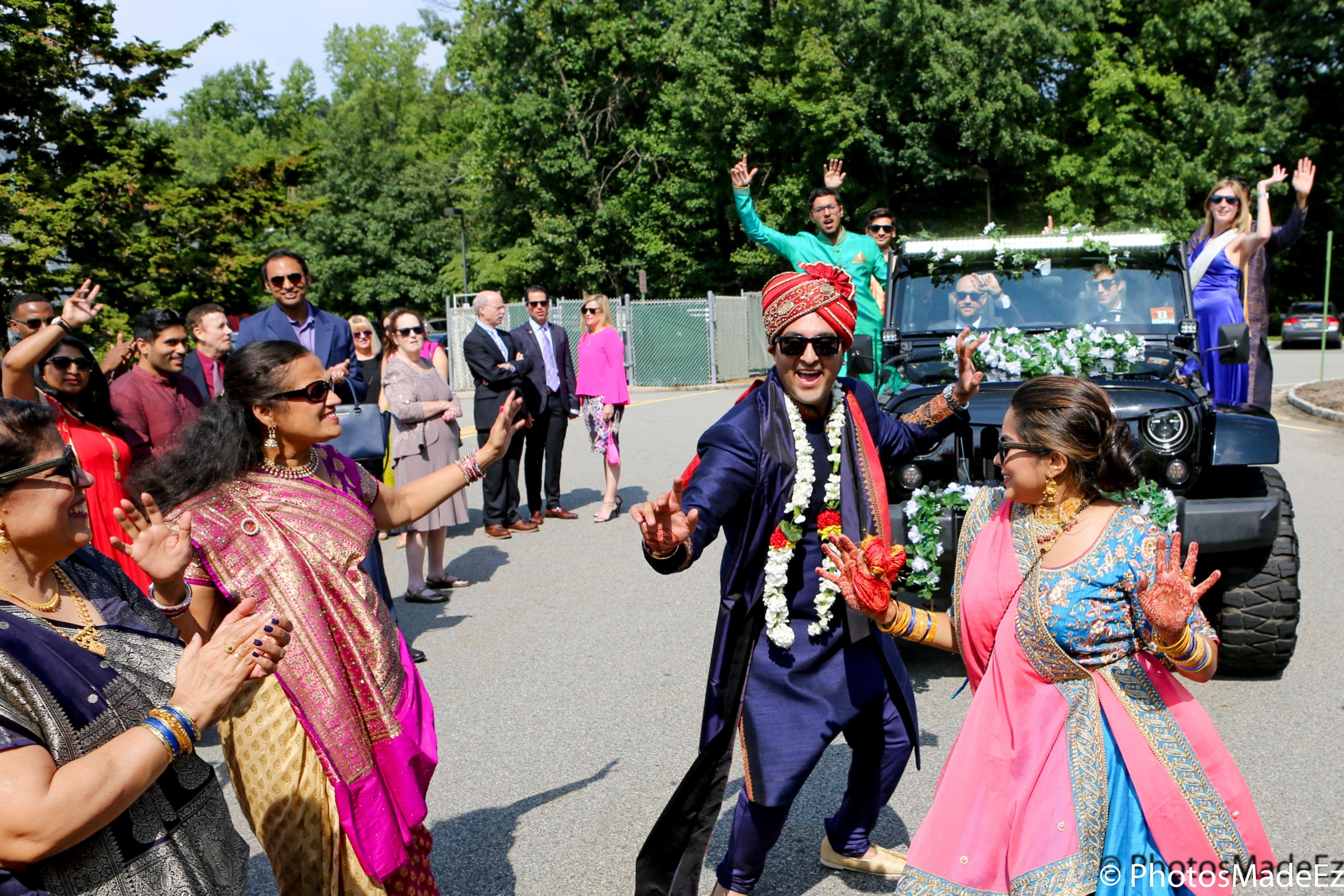 Indian Groom Photo In Colorful Baraat Indian Wedding Ceremony Gujarati Wedding At Park Ridge M Hindu Wedding Ceremony Indian Wedding Ceremony Summer Trends