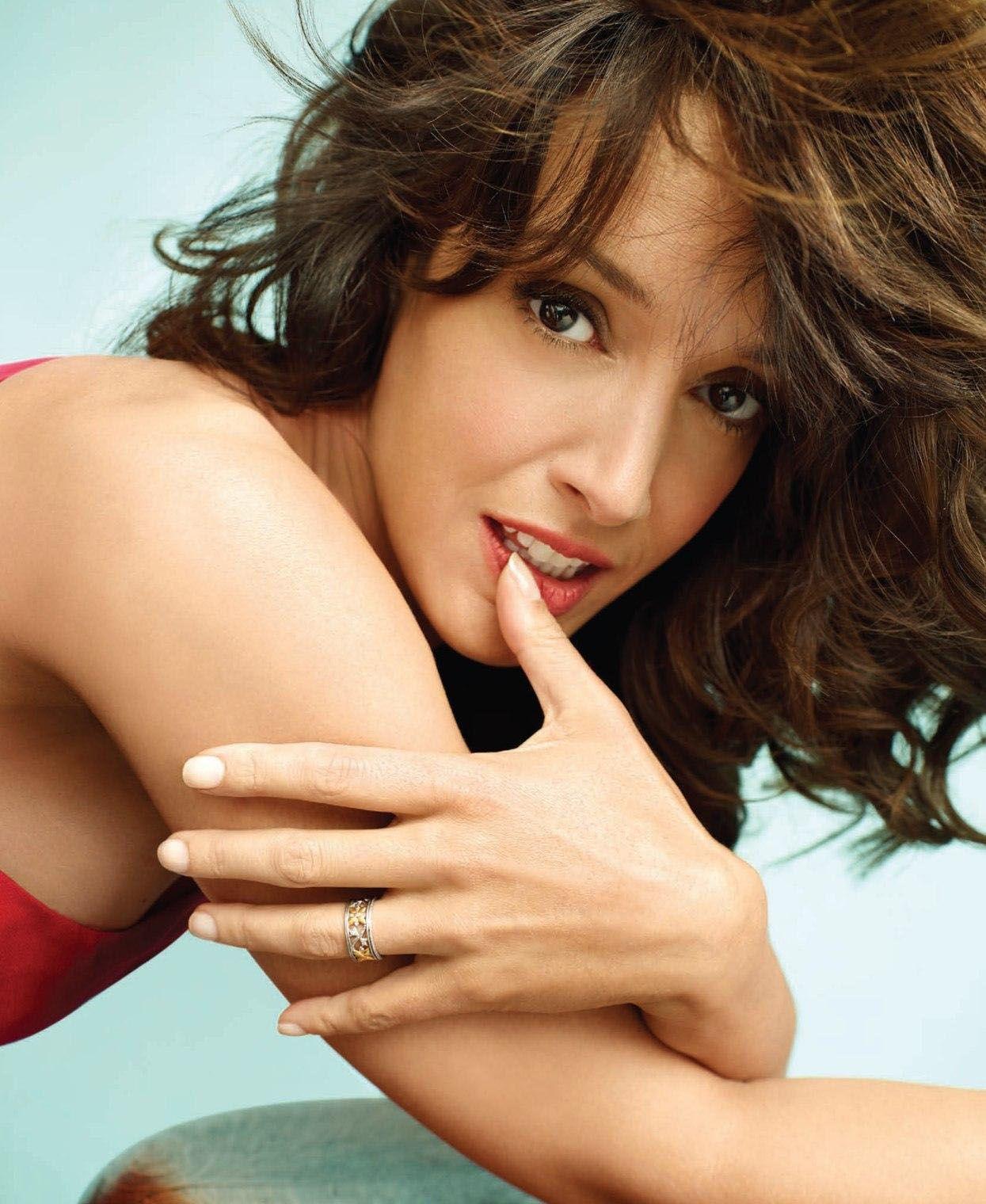 Jennifer Beals... drop dead gorgeous.... | Laurel Holloman ...