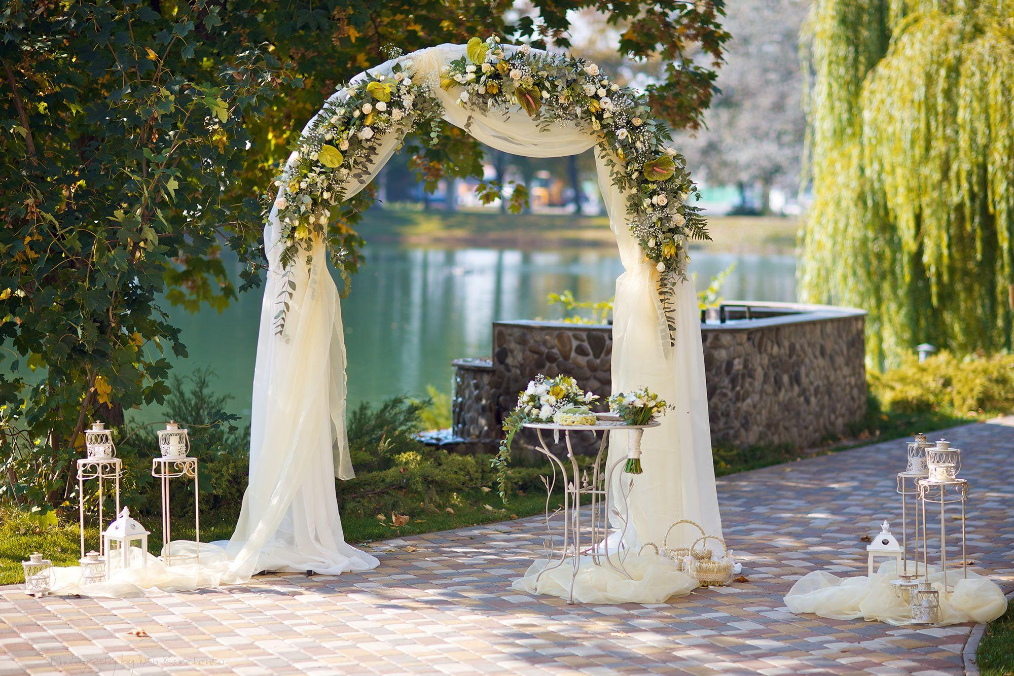 Оформление арки на свадьбу фото