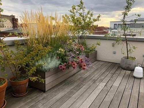 Photo of Dachterrasse/Balkon — Nelka – Dachterrasse, Balkon, Innenhof – Planung und Ausführung