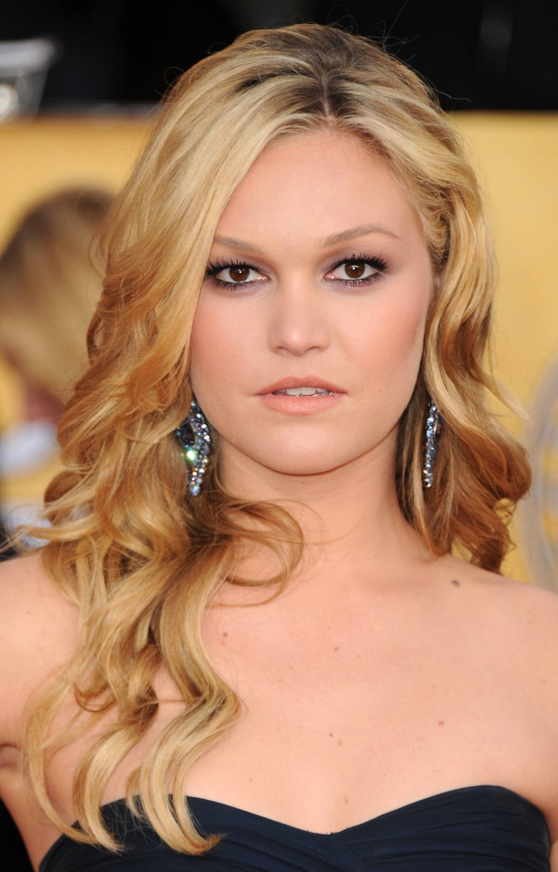 40 most charming prom hairstyles for 2016 | julia stiles, stiles