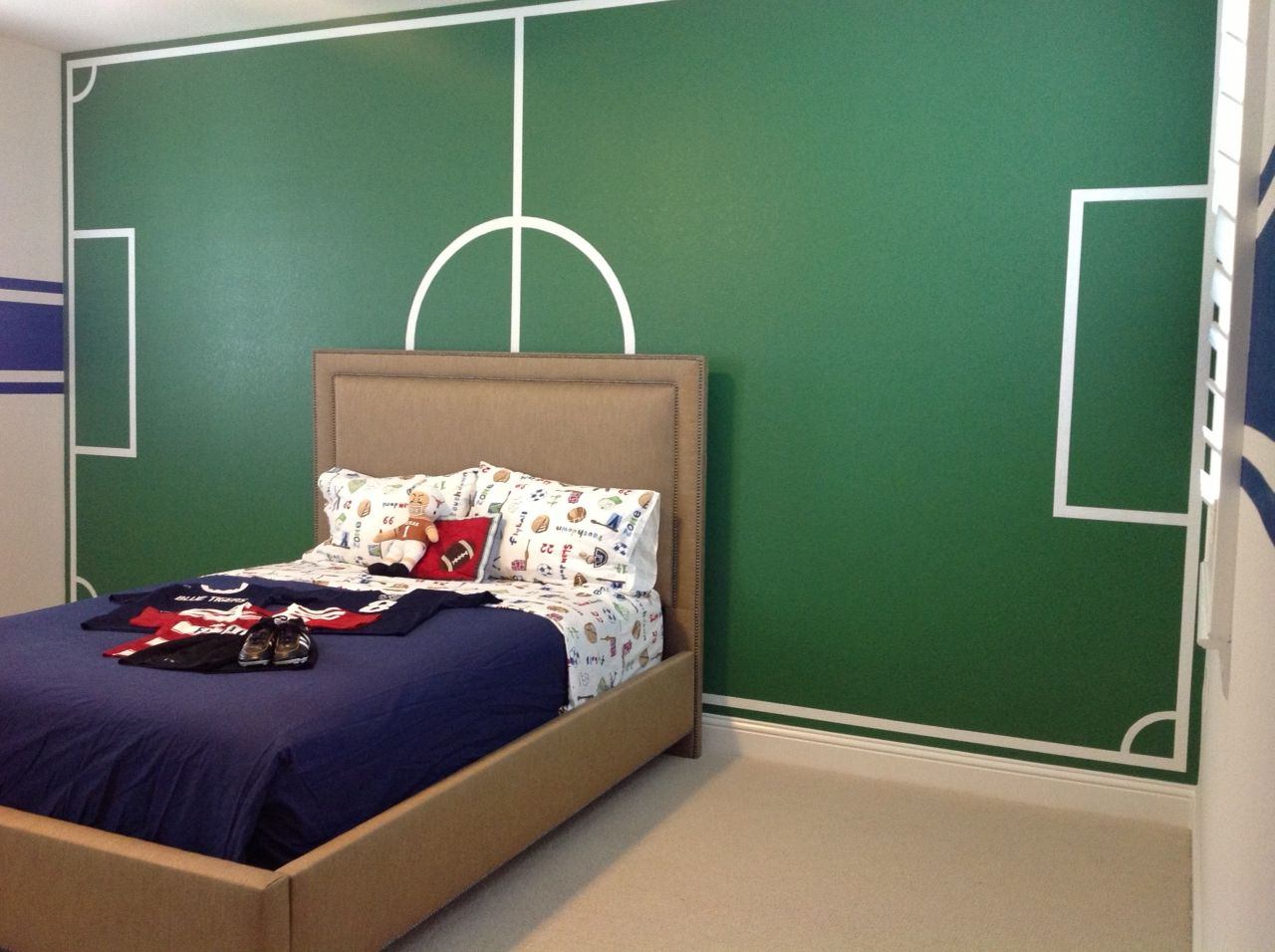astounding soccer bedroom ideas | Boys Soccer Painted Soccer Field Sports Room | Soccer room ...