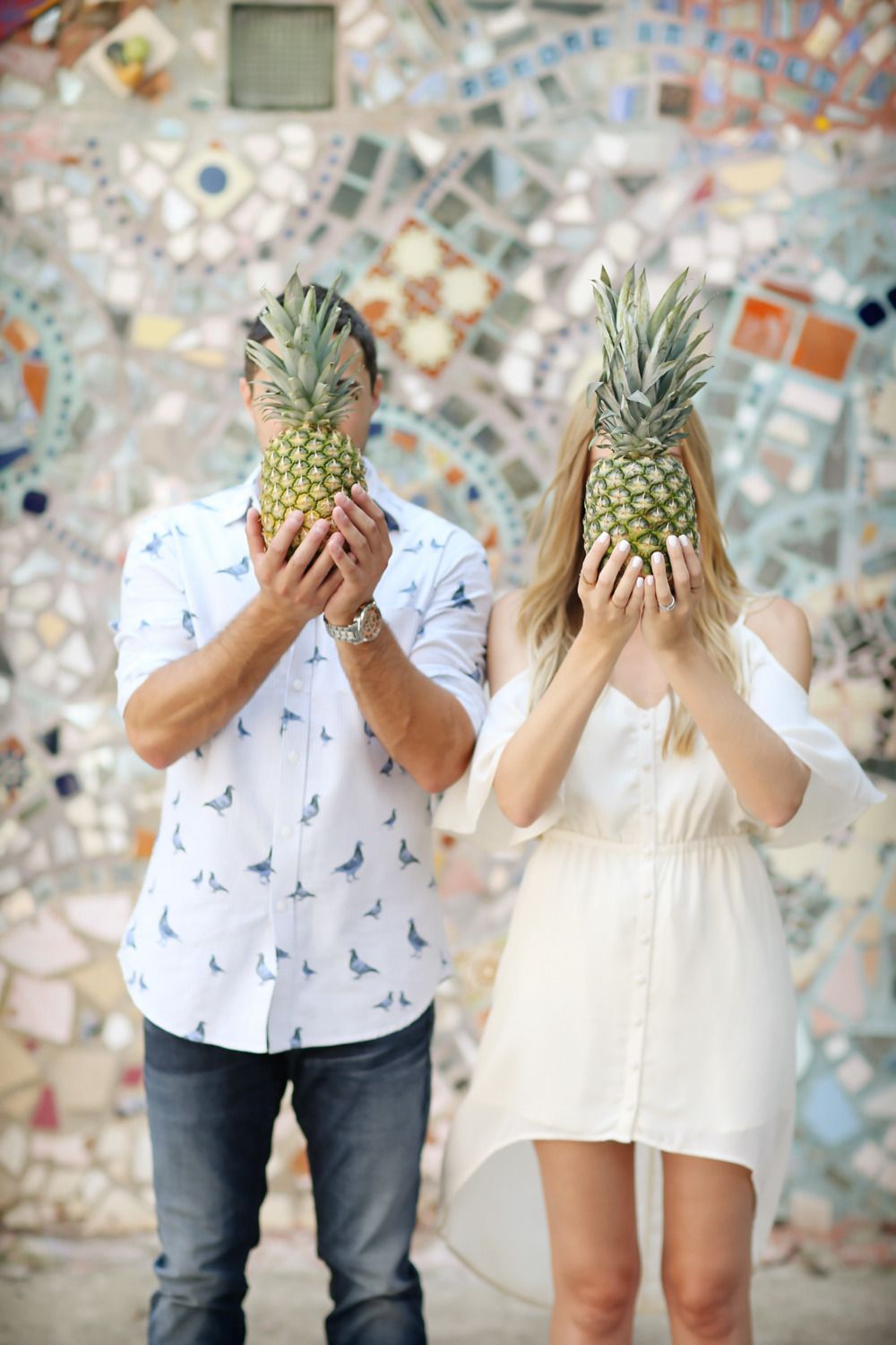 Adorable engagement photo idea for a tropical wedding. Photography: Alison Conklin Photography - alisonconklin.com Read More: http://www.stylemepretty.com/2014/08/26/eat-sleep-wears-philadelphia-engagement-session/