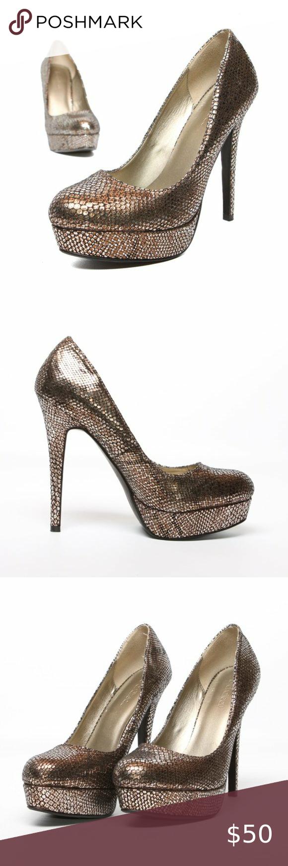 LE CHATEAU Platform Heels Gold Snakeskin Gold 9