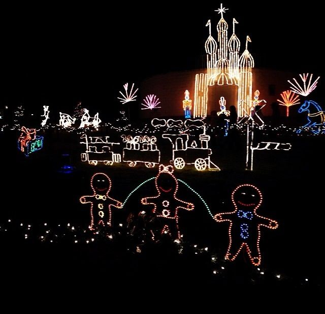 Marble Falls Christmas Lights.Experience Over Two Million Lights Reflecting Off Of Lake