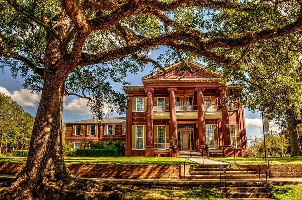 Magnolia Hall. 1865 Natchez Natchez, Gothic revival