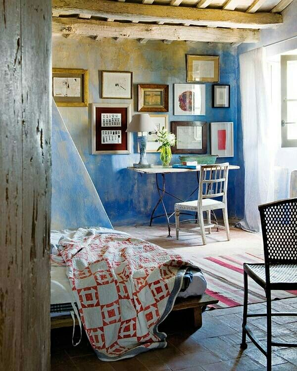 Pin di su arredamento case colorate for Arredamento case antiche