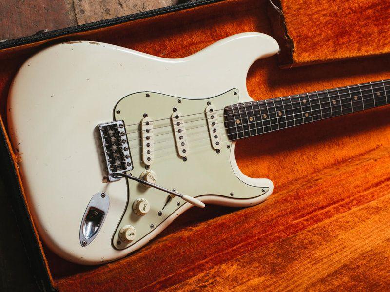 Rare Guitars Jimi Hendrix S 1963 Fender Stratocaster Guitar Com All Things Guitar Fender Stratocaster Rare Guitars Fender Stratocaster Vintage
