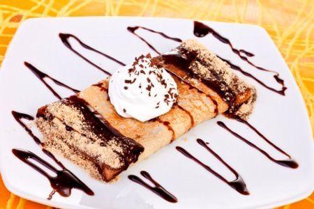 Pin Van Aline Tong Op Dessert