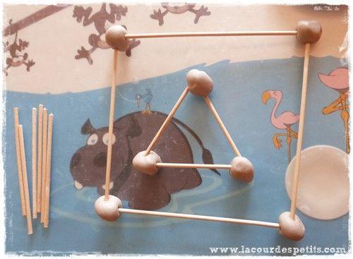 apprendre les formes g om triques en maternelle avec de. Black Bedroom Furniture Sets. Home Design Ideas