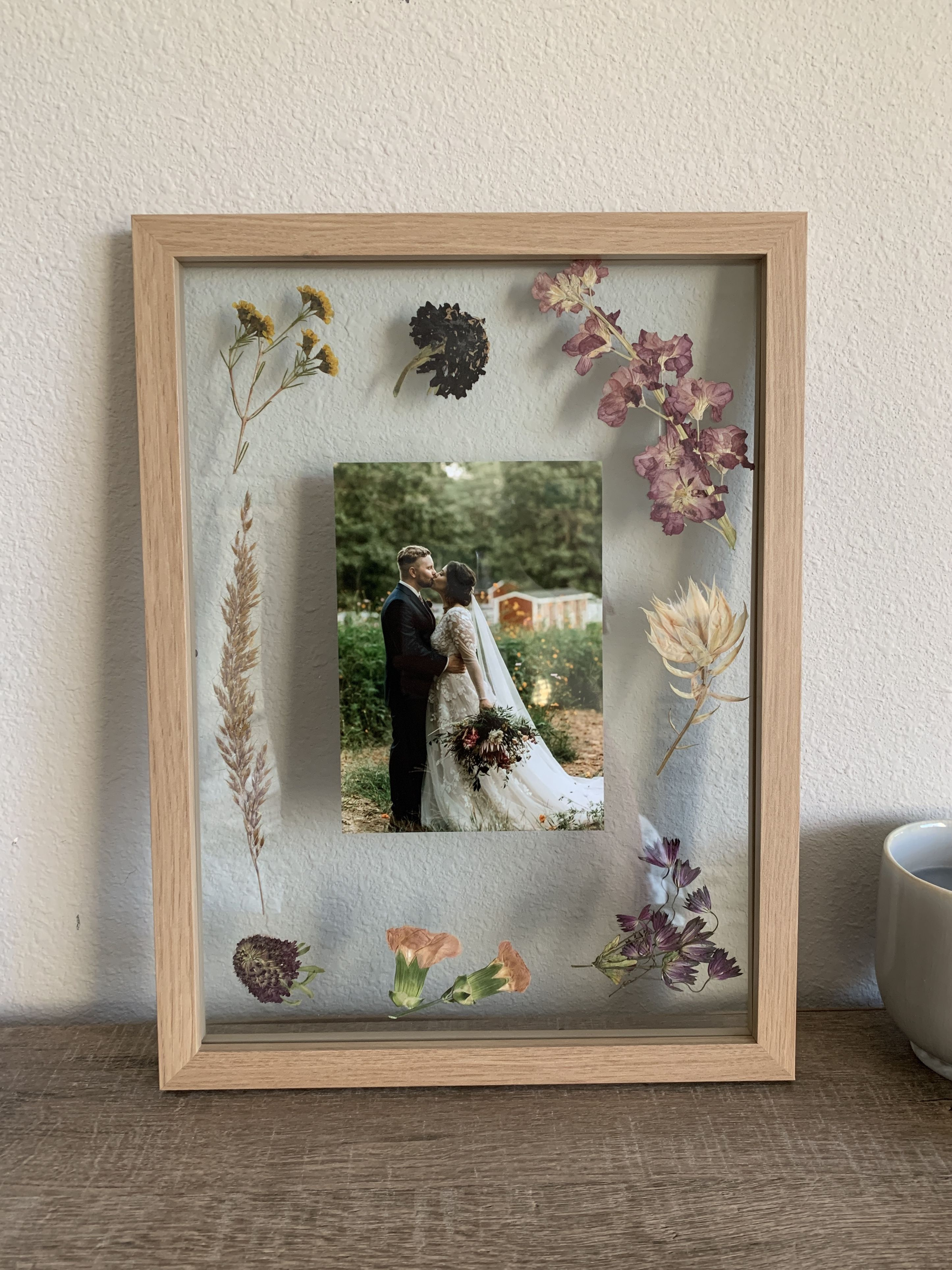 Dried And Framed Wedding Flowers Pressed Flowers Frame Dried Flowers Diy Wedding Picture Frames
