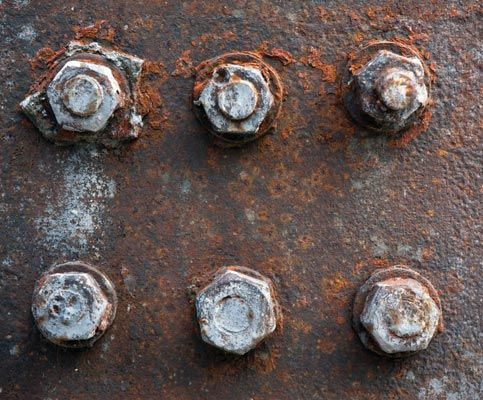 How To Use Beer To Loosen Rusty Bolts And Screws Nuts And Bolt