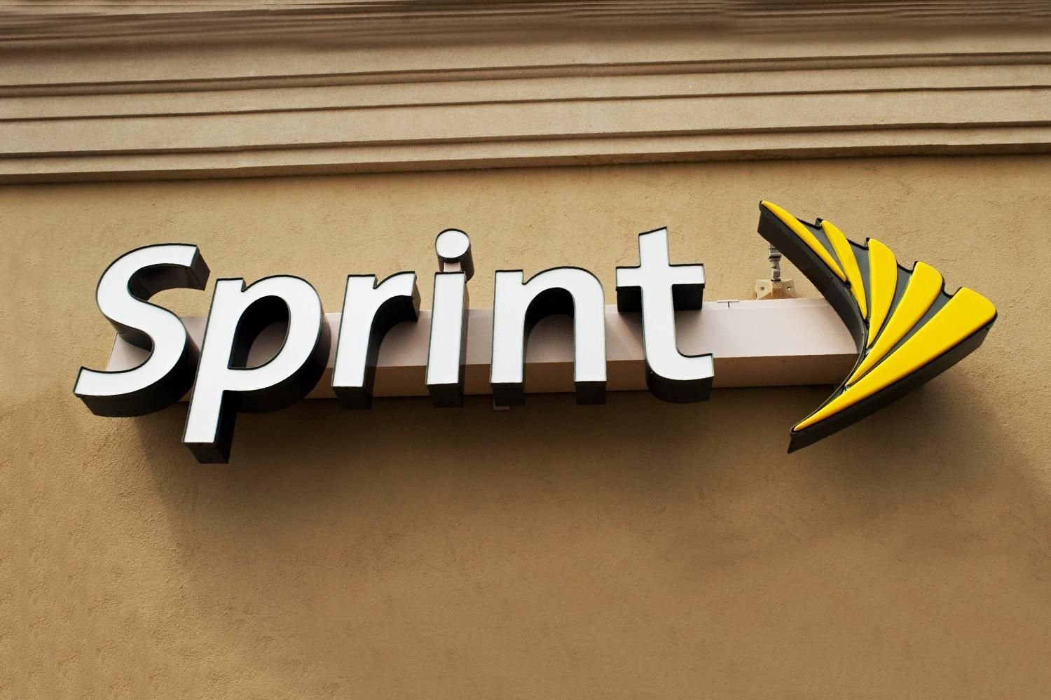 Sprint pulls a T-Mobile with free international data and text in 15 countries