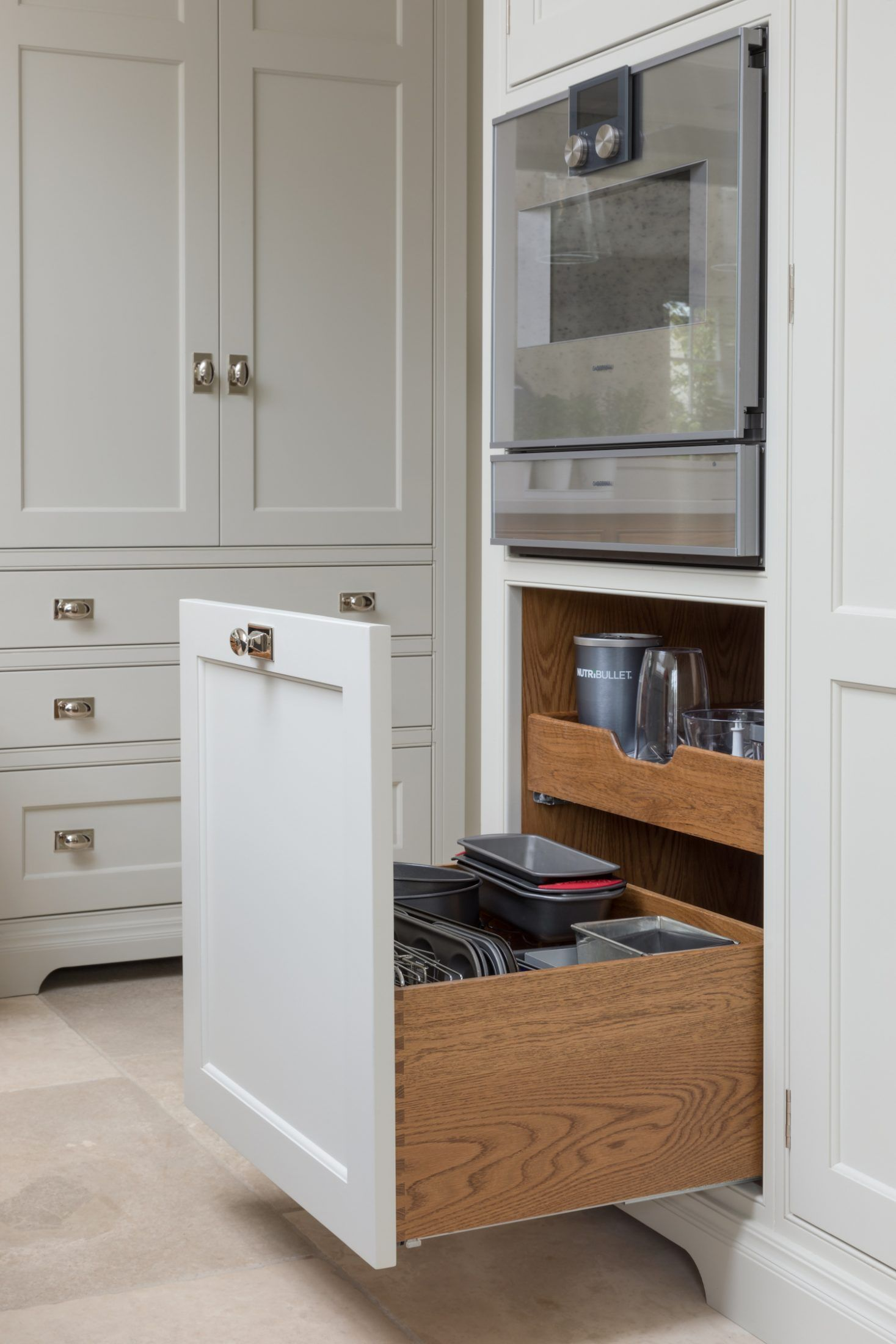 Beneath The Warming Drawer Is A Pot Cupboard That Opens Out With Plenty Of Deep Storage For Baking Trays Kitchen Remodel Kitchen Cabinet Styles Family Kitchen