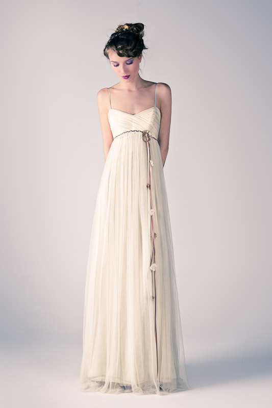 mod.iumi. vestido en tul de seda natural/bambula de seda natural