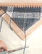 Triangle Loom - Continuous Weaving