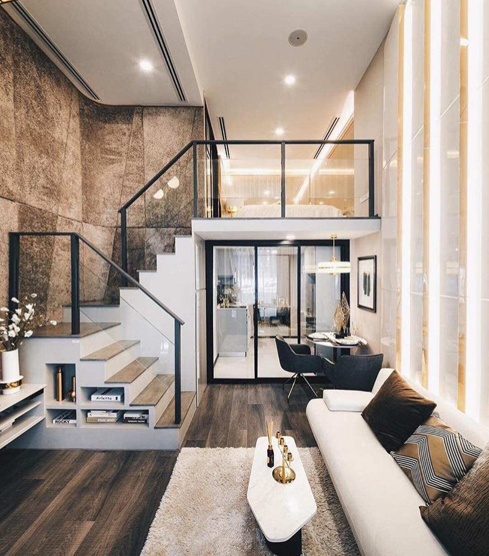 Escalier Dans Un Salon une beau salon avec parquet et escalier garde corps en acier
