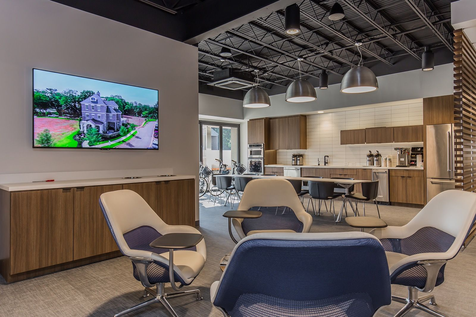 Inside Coldwell Banker Caine S New Greenville Office