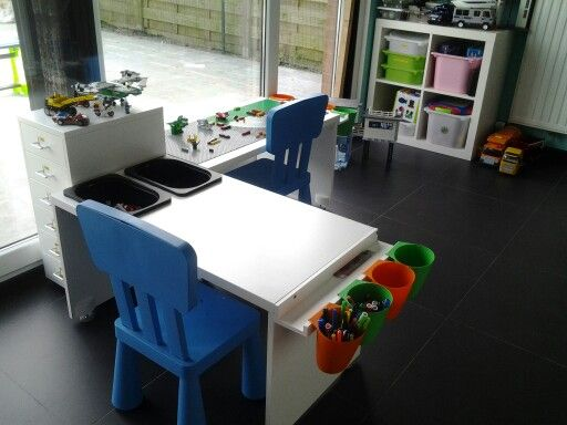 Ikea tafeltjes omgevormd tot lego tafel speelkamer for Ikea kinderstoel en tafel