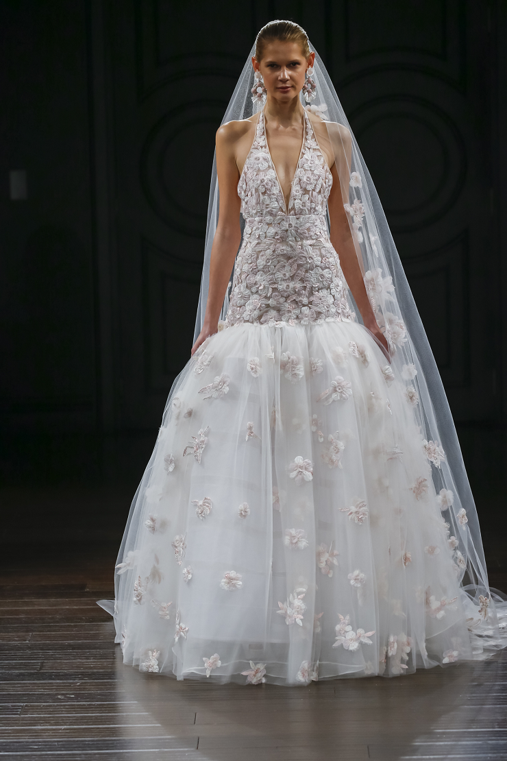 Naeem Khan Wedding Dresses Spring 2017 | Halter ballgown with drop waist line | itakeyou.co.uk #wedding #weddingdress #weddingdresses #halterneck #weddinggown #bridalgown