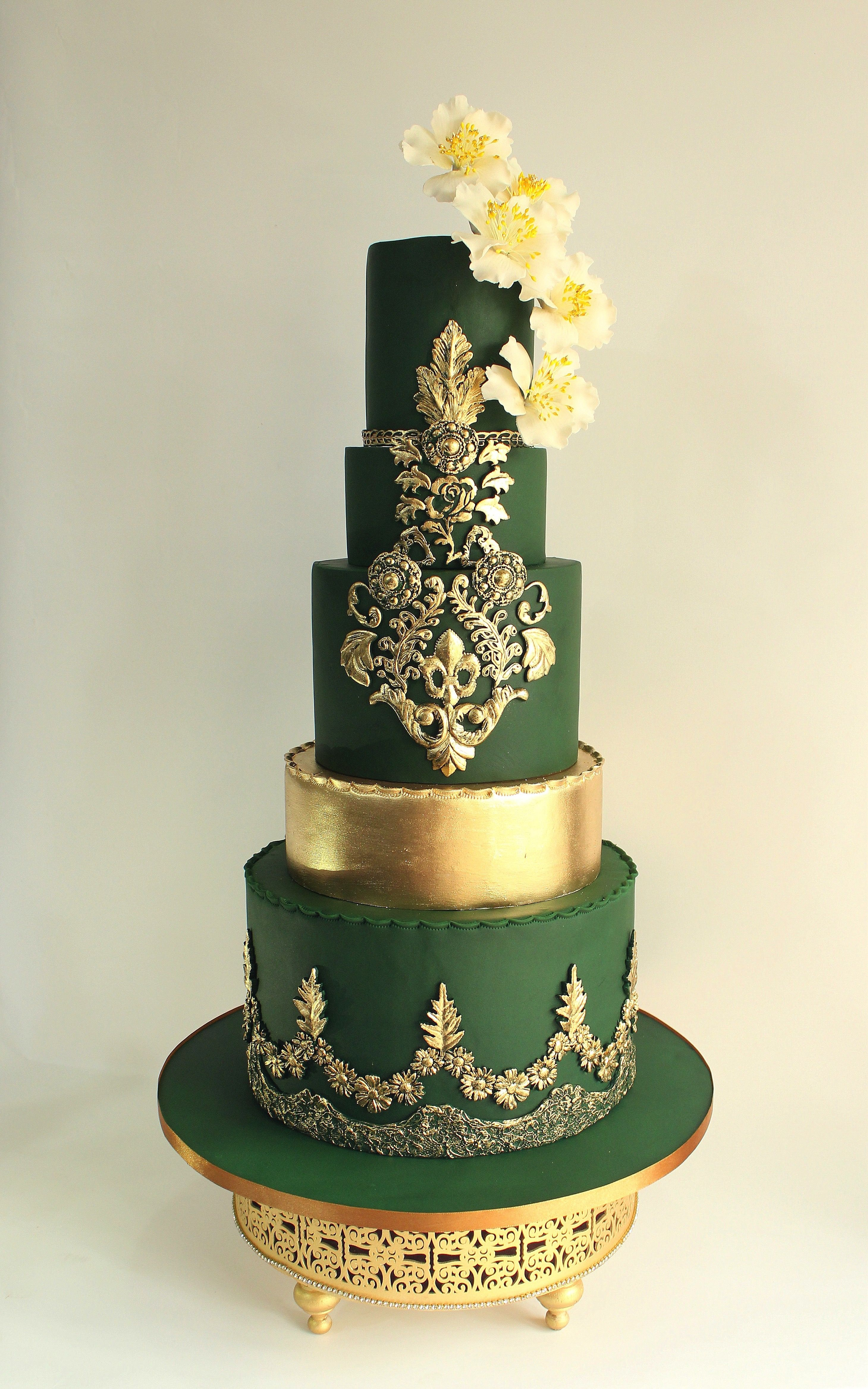 A Gallery Of Fondant And Gum Paste Wedding Cakes From Cake Decorators Around The World Inspired Green Wedding Cake Fondant Wedding Cakes Chocolate Wedding Cake