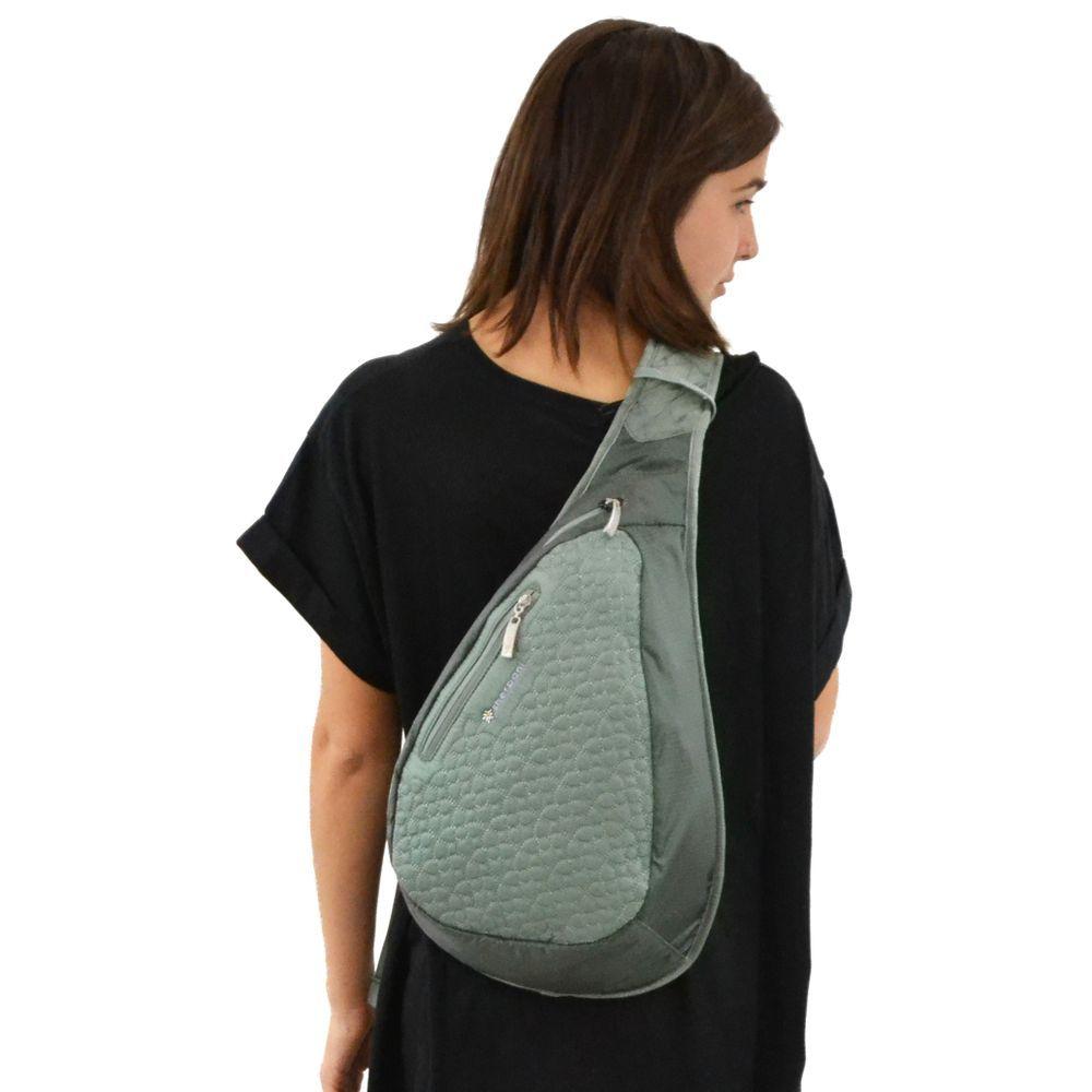 Sherpani Esprit Sling Bag (Women s) - Mountain Equipment Co-op. Free  Shipping Available 37fd906112