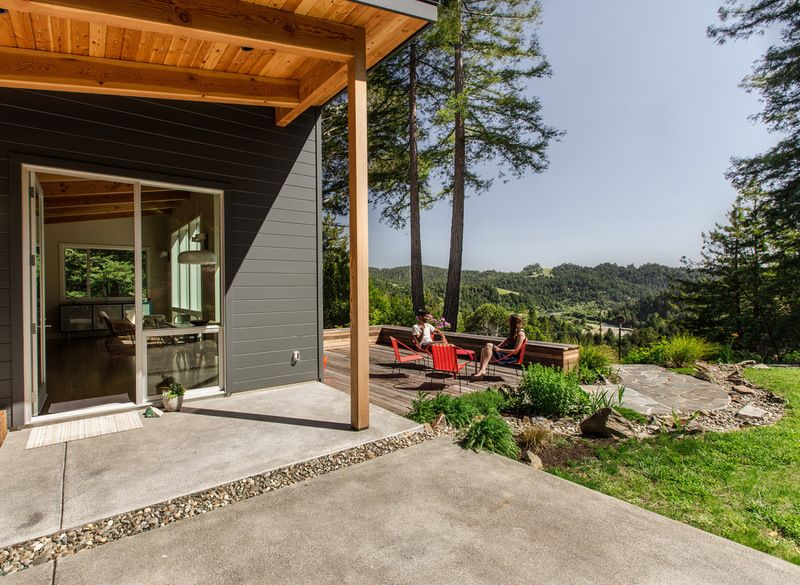 rustic house and  patio with a great view.... by Boor Bridges Architecture