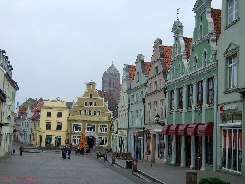 HeinBloed's Cruise Guides: Wismar, Germany - City Walk