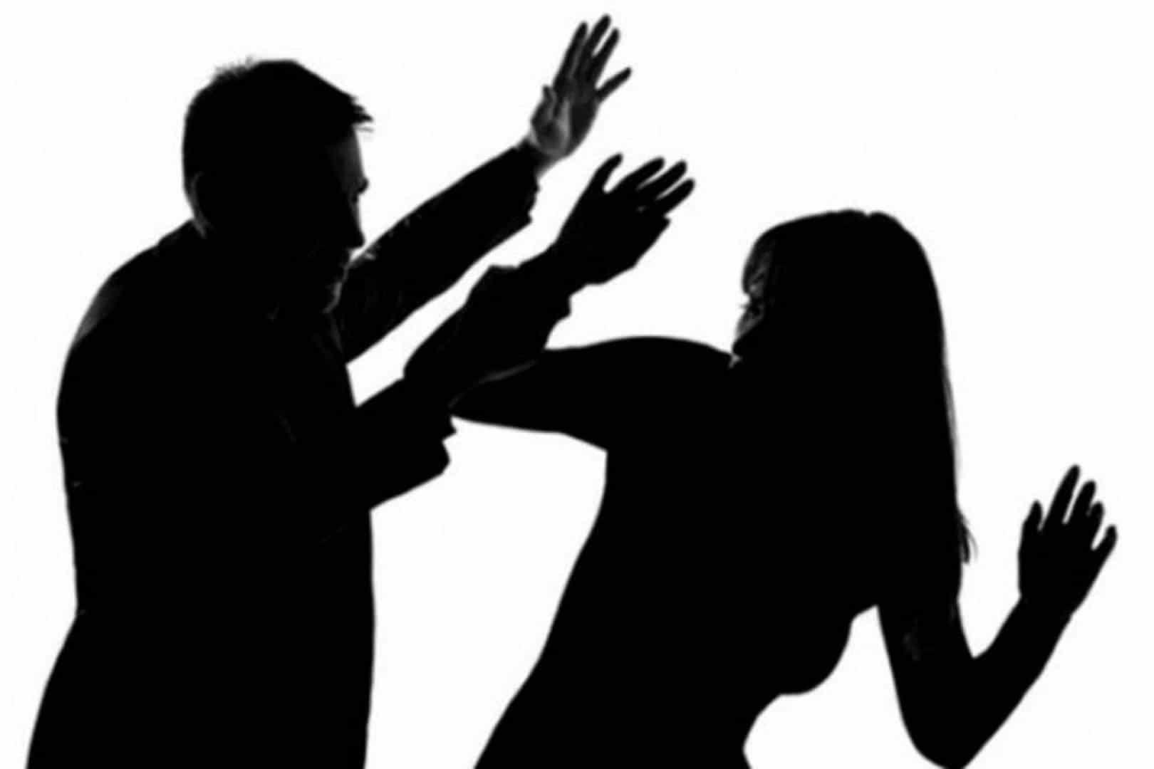 تغليظ عقوبة التعدي على الزوجة بالضرب والحبس يصل إلى 5 سنوات للزوج In 2021 Human Silhouette Silhouette Human