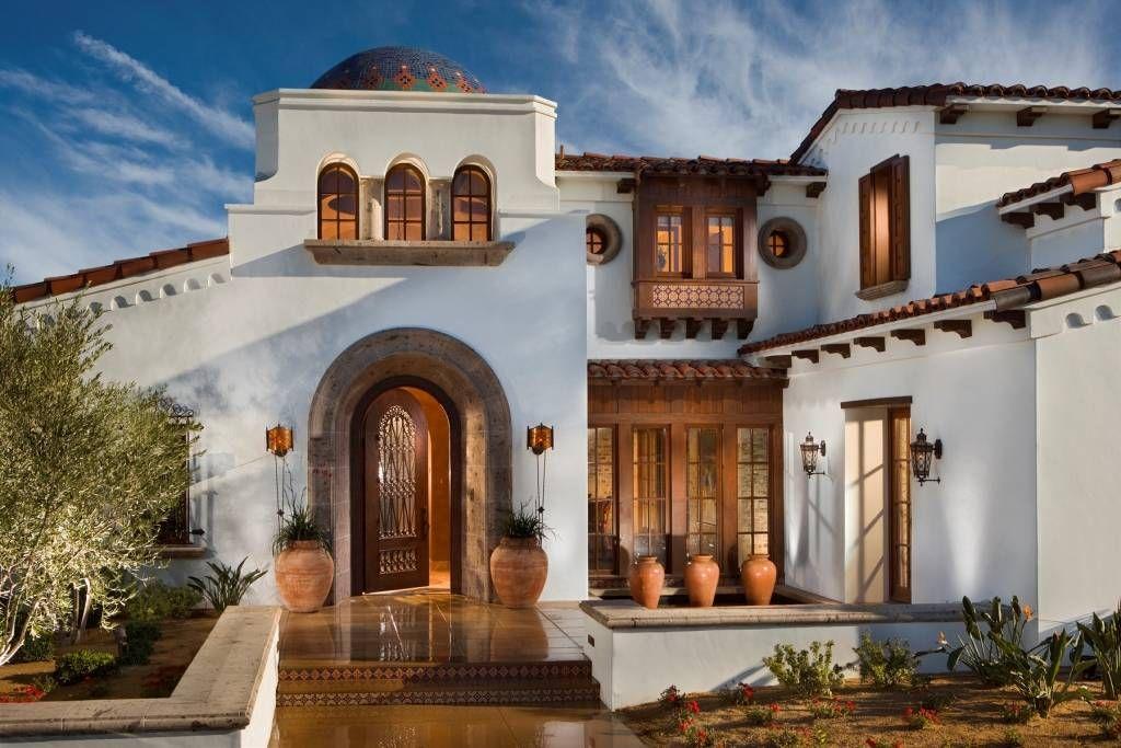 This Beautiful Spanish Hacienda Style Home Is Located At 80185 Via Capri 26 27 In La Quinta C Spanish Colonial Homes Spanish House Design Spanish Style Homes