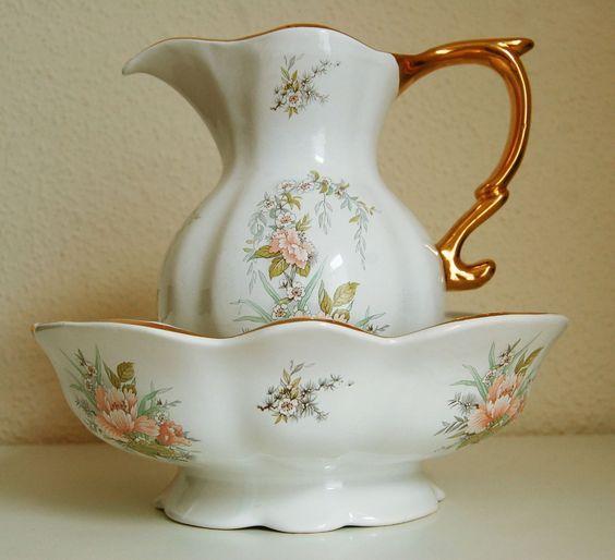 Antique Windsor Pottery Large Wash Basin and Jug ...