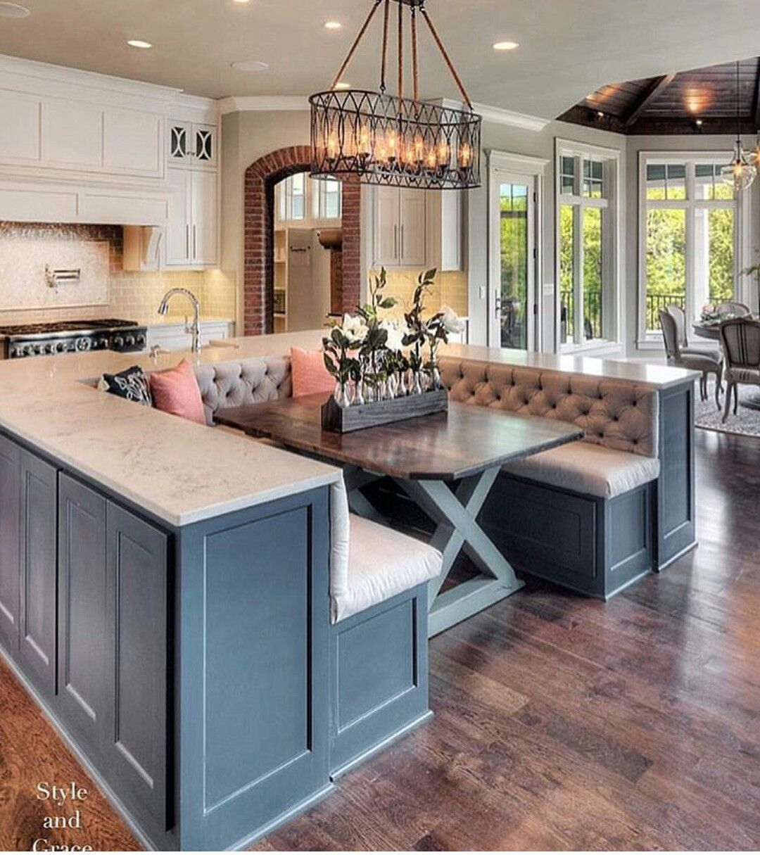 Incredible Bench Built Into Island In 2019 Home Kitchens Kitchen Beatyapartments Chair Design Images Beatyapartmentscom