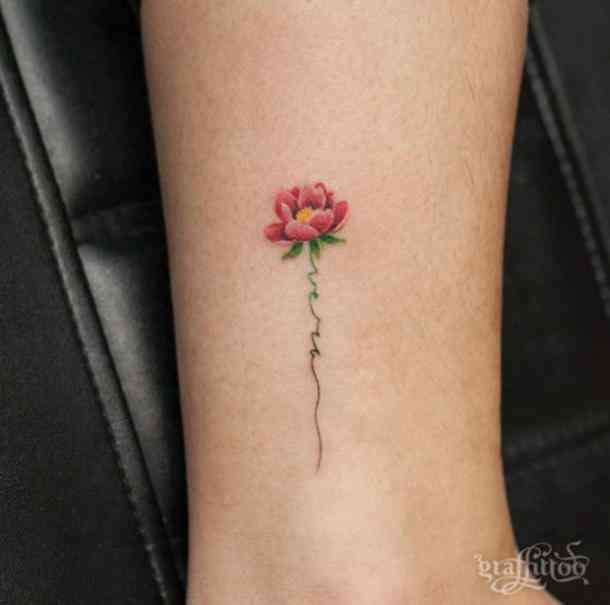 35 Amazingly Pretty Flower Tattoos That Are Perfect For The Spring Summer Pretty Flower Tattoos Tiny Flower Tattoos Tattoos