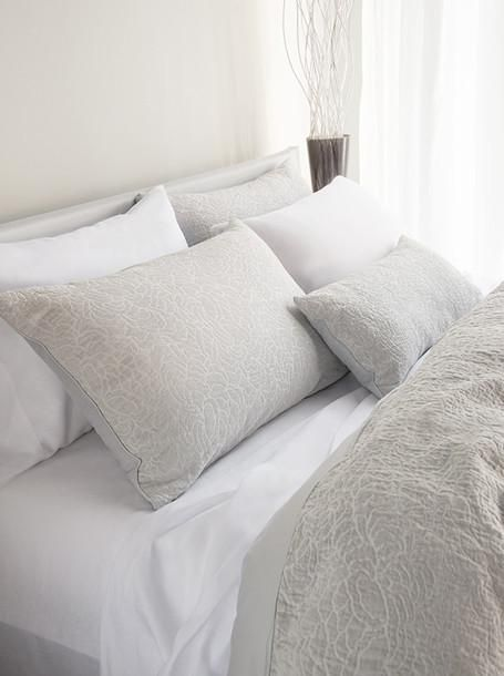 A Woven Pattern Of Gently Pressed Petals In Soft Greys Creates Relaxed Bed With Understated Beauty Via Our Front S Selection Linens Bedding