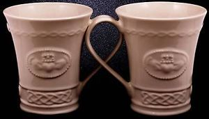 Set-of-2-Belleek-Irish-Mugs-Claddagh-Collection-4-Tall