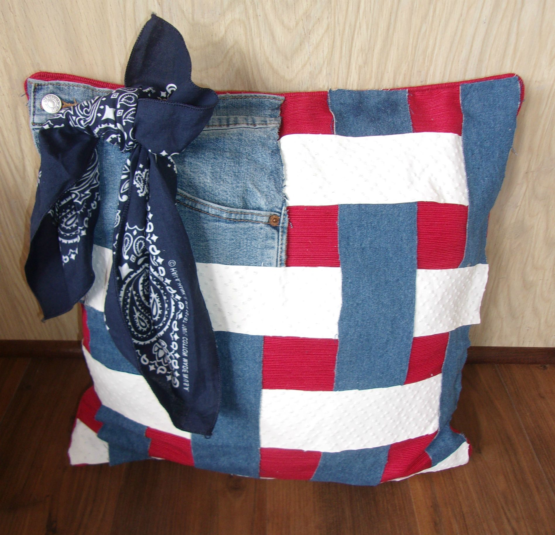 Americana scrap pillow no sew glue all of your scraps on