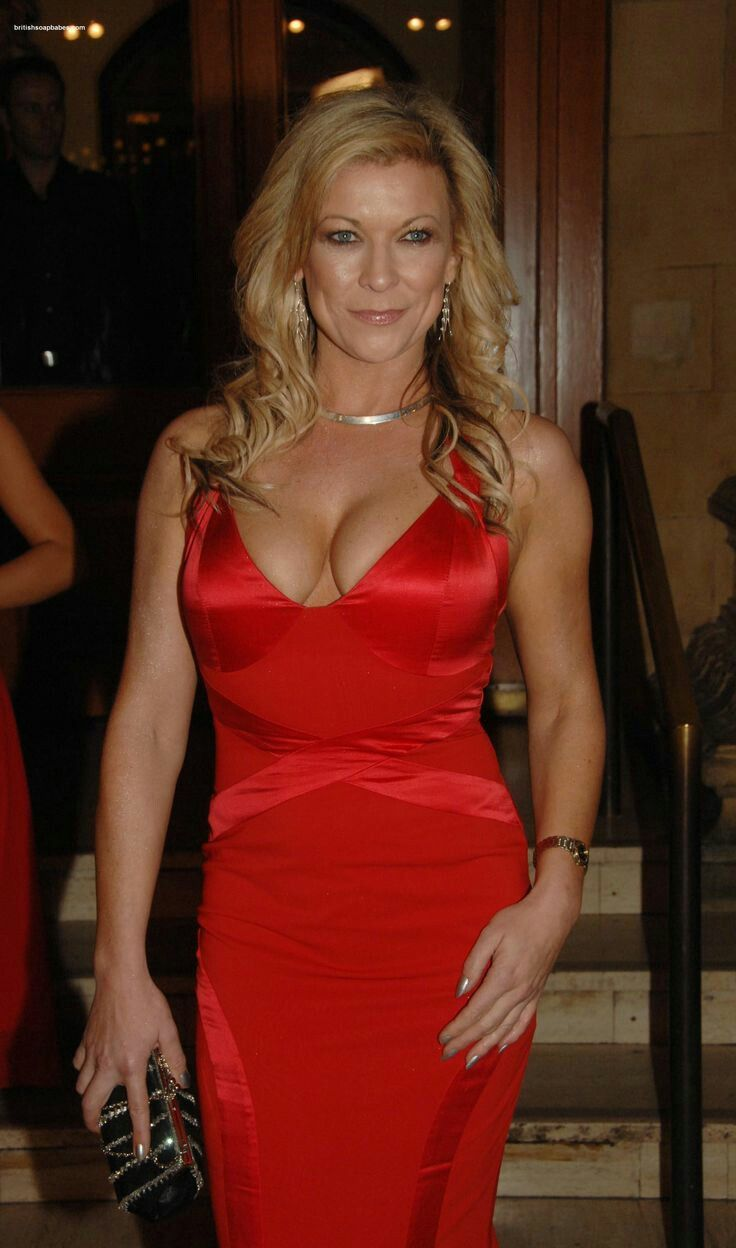 Pin By Maty Cise On Claire King In 2019  Sexy Older Women -4594
