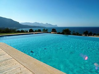 Beautiful+villa+with+stunning+views+on+the+sea,+infinity+pool+and+big+garden+++Holiday Rental in Trapani province from @HomeAwayUK #holiday #rental #travel #homeaway