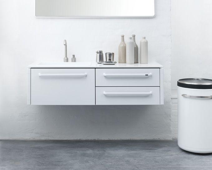 Schubladen Badezimmer ~ White simple sink by vipp design showroom; foto factory & nordic