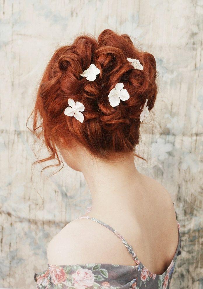 Mooie opgestoken rode haren