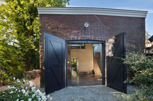 Studio Rolf Transforms a Nineteenth Century Coach House into a...