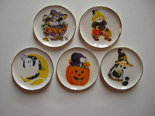 ghost in moon halloween dish set