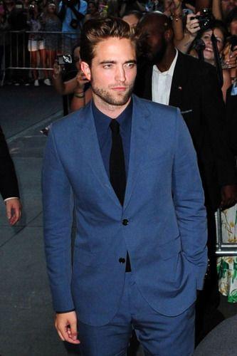A Dark & Broken Robert Pattinson Would Light Up the Screen as 'Christian Grey'