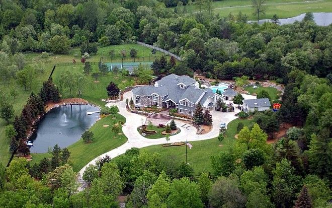 Amazing Aerial Photos Of Rapper Mansions Mansions Celebrity Houses American Mansions